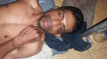 অজ্ঞাত হয়ে এই যুবক হাসপাতালে!!!!www.mdnasar.org